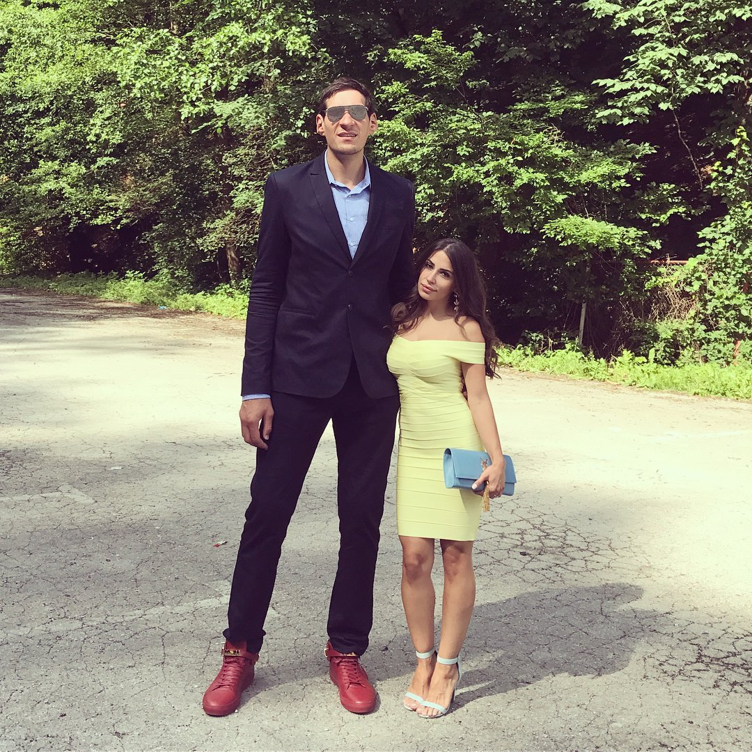 serbian basketball player boban marjanovic and his wife 1543126210