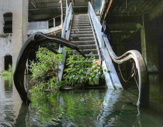 Closed New World Mall in Bangkok
