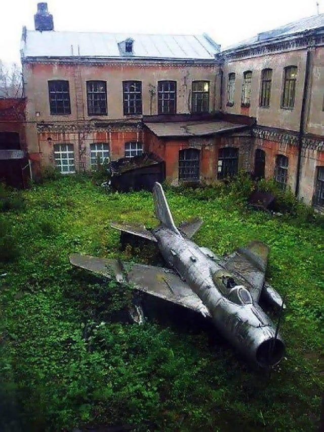 fighter jet taking some time off